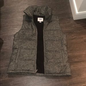 Old Navy puffer vest - grey